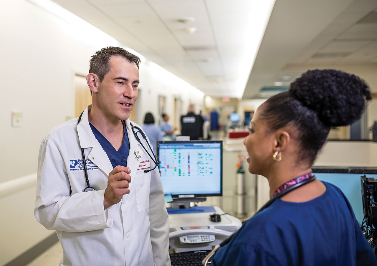 Craig Gronczewski, MD, MBA with Nurse at the Emergency Department